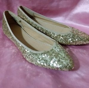 Old Navy Gold Sequined Flats, Size 8